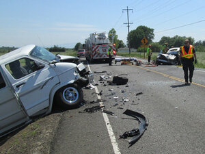 Deadly head-on crash blocks Hwy 20 east of Albany