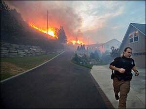 1,000 flee as 'mind blowing' flames burn Wenatchee homes