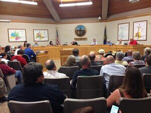 Heated discussion of pot issues splits Roseburg City Council