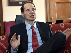 Wyden objects to anti-terrorism rules for online platforms