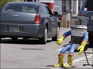 Rebuild mulled after Philadelphia vandals destroy hitchhiking robot