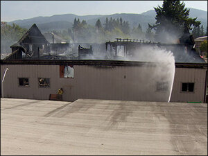 Fire burns city-owned building in Mill City