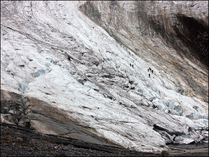 'This is a dying glacier': Clock ticking on Mount Baker