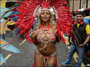 Photos: London's wet 'n' steamy Notting Hill Carnival 2015