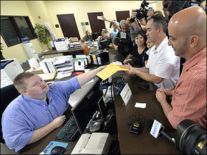 With clerk jailed, gay Kentucky couple gets marriage license