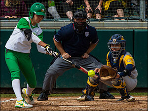 Ducks win last game of series against Golden Bears 7-2