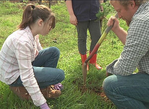 Roseburg kids replant the Douglas Complex
