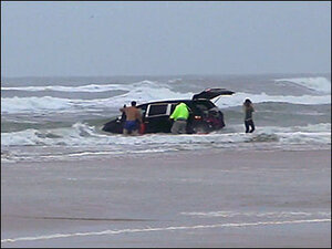 Attempted murder charges for mom who drove minivan into ocean