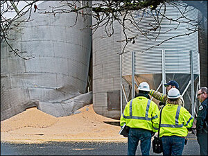 Body still buried at collapsed Washington silo