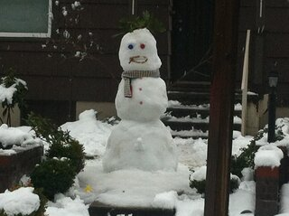 SUPER HAPPY SNOW MAN