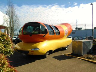 Wienermobile at Fred Meyer-Springfield
