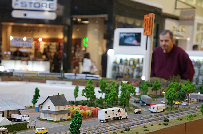 35th Model Railway Show rolls through the Valley River Center - 01