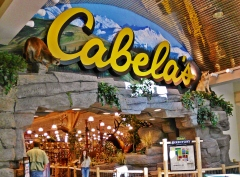 MALL ENTRANCE TO NEW CABELAS