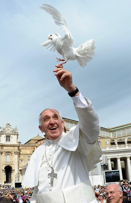 APTOPIX Vatican Pope Liberated Doves