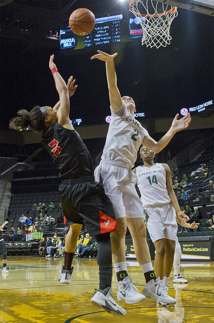 Oregon women beat Cal State Northridge 96-61 _ 04