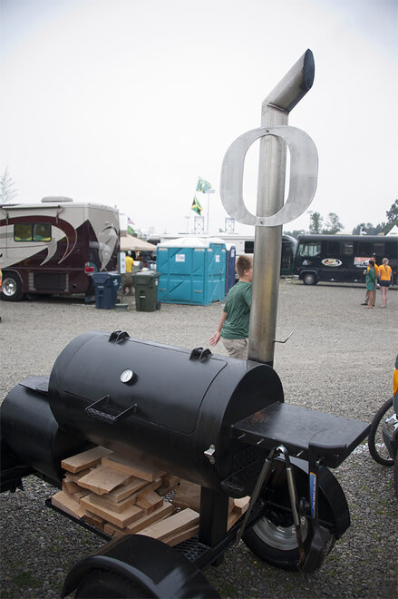 Tailgating as Oregon hosts Tennessee - 30 - Photo by Tristan Fortsch