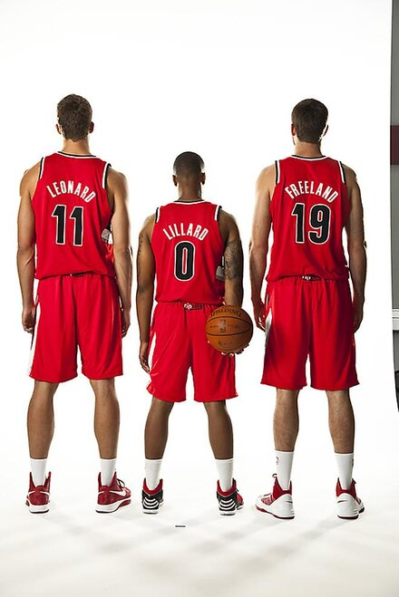 Blazers red uniforms (5)