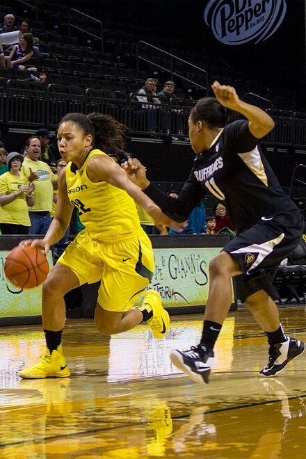 Oregon Ducks Women Face Colorado Buffaloes (Photo by Petra Chung, Oregon News Lab)