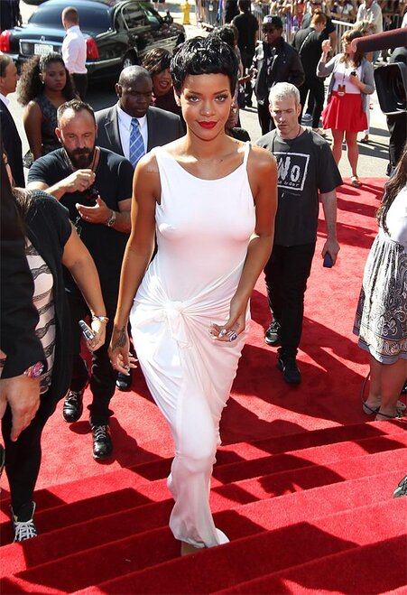 APTOPIX MTV Awards Arrivals