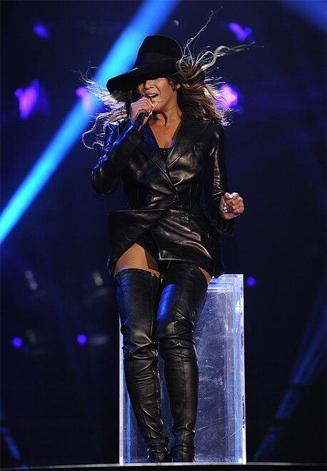 130422_a_The_Mrs__Carter_Show_World_Tour_2013___Bratislava_46.jpg_BIM.jpg