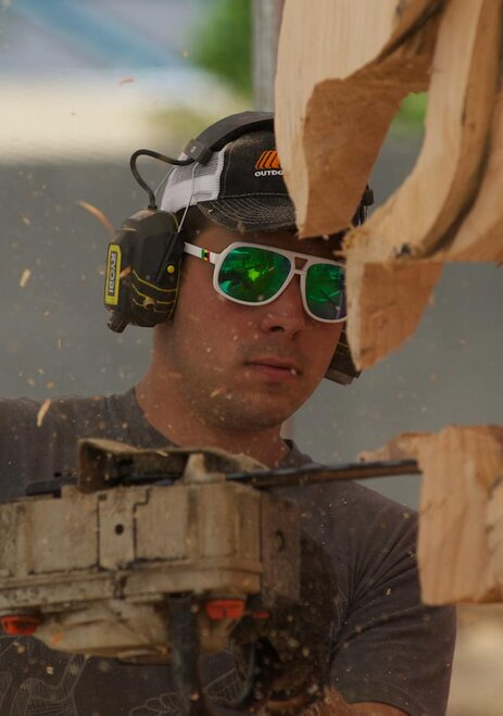 Reedsport Chainsaw Sculpting Championships 2012 (1)