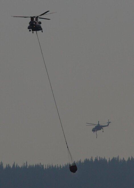 Chinook and Sky Crane on Badger Butte Fire by Dan Sweet