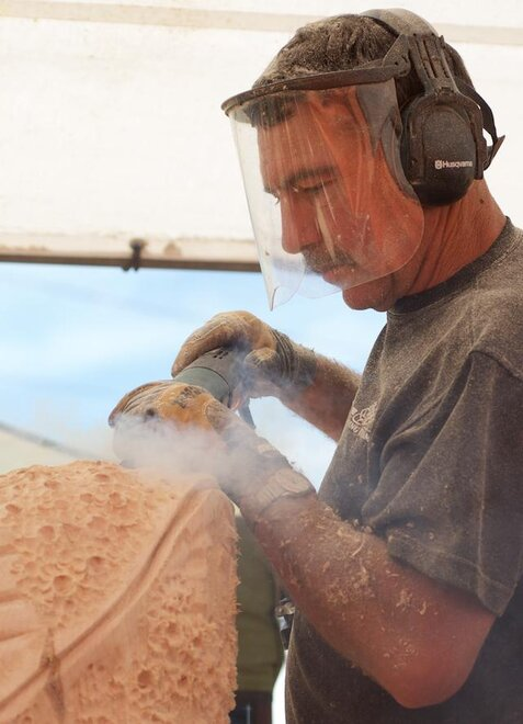 Reedsport Chainsaw Sculpting Championships 2012 (12)