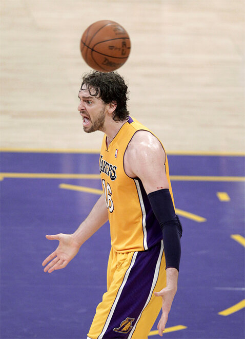 APTOPIX Thunder Lakers Basketball