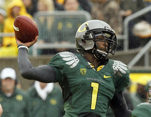 KVAL Sports Predictions: Ducks look to keep rolling against ASU, Beavs try to pull a shocker on the Smurf Turf