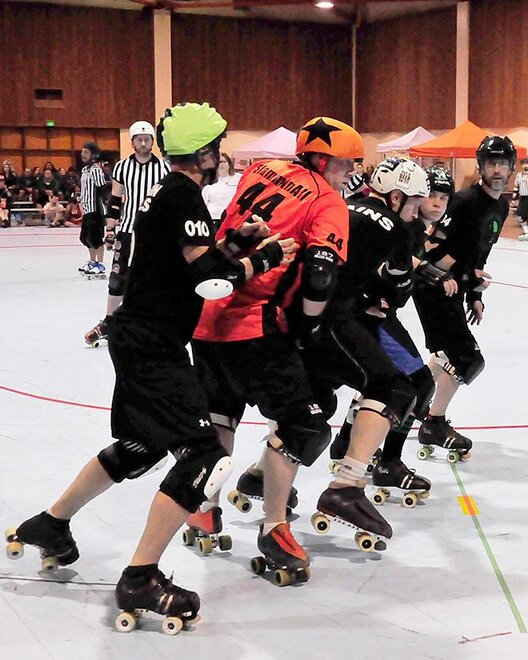 The Lane County Concussion and Emerald City Roller Girls host The Big O -07- Photo by Noah Gurevich_Oregon NewsLab