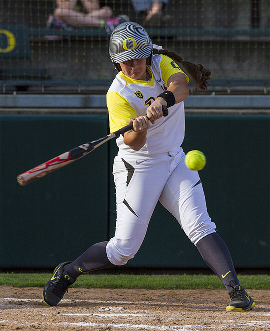 Ducks sweet Utah Valley in doubleheader - 04 - Photo by Oregon News Lab
