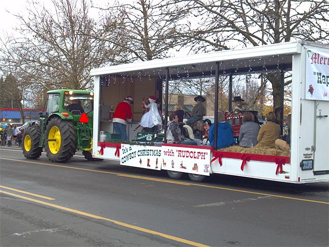 60th annual Holiday Parade (Photo by Gary Sherman for KVAL News) 3