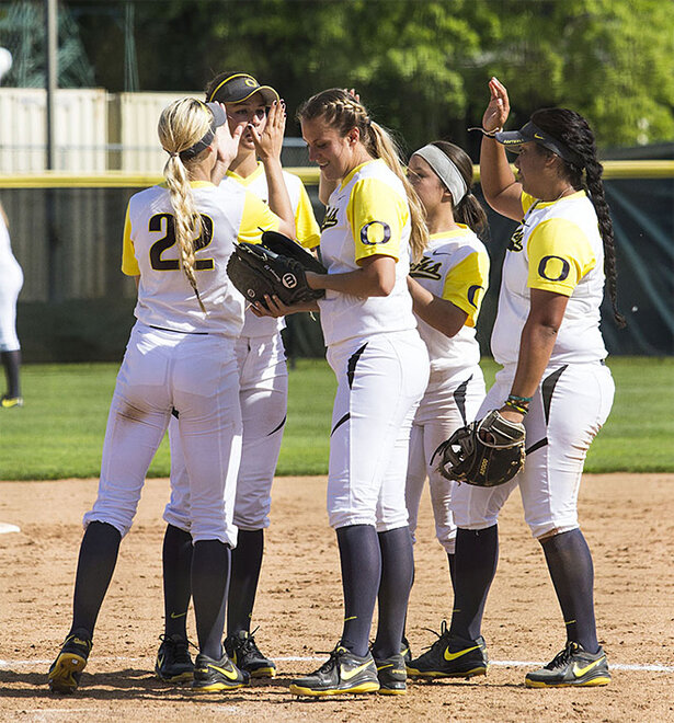 Ducks sweet Utah Valley in doubleheader - 36 - Photo by Oregon News Lab