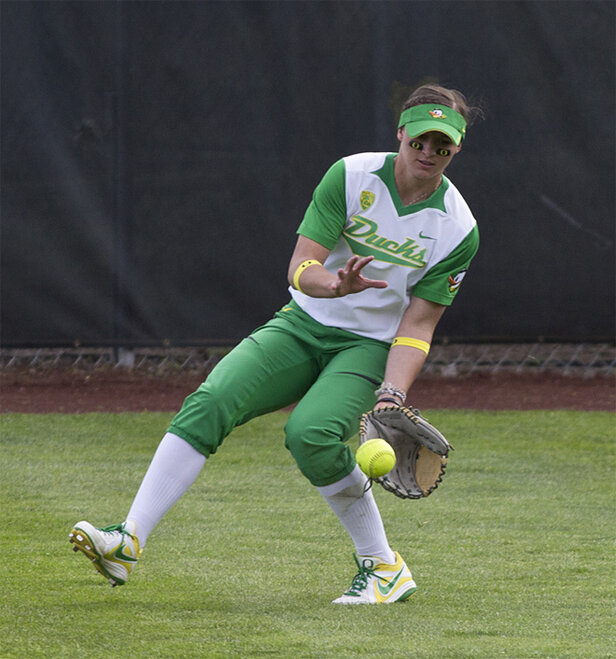 Ducks Softball sweeps Washington Huskies - 44 - Oregon News Lab Photo