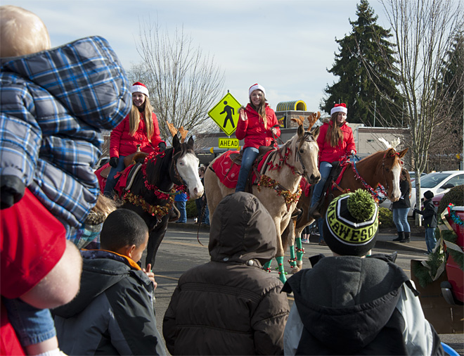 61st annual Springfield Christmas Parade - 01 - Photo by Tristan Fortsch