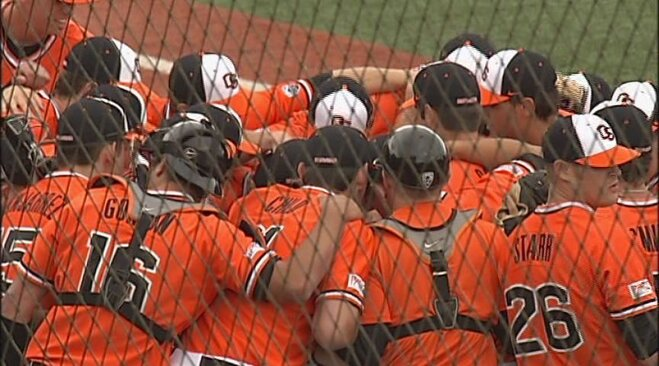 Beavers sweep Ducks, Oregon finishes third in Pac-12