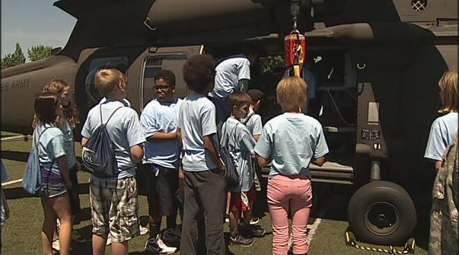 Blackhawk helicopter crew visits youth camp in Eugene (2)