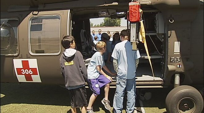 Blackhawk helicopter crew visits youth camp in Eugene (3)