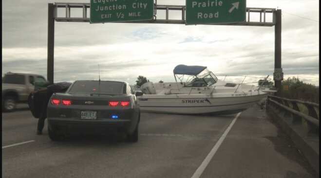 Boat crash ties up Beltline June 26 2013 (1)