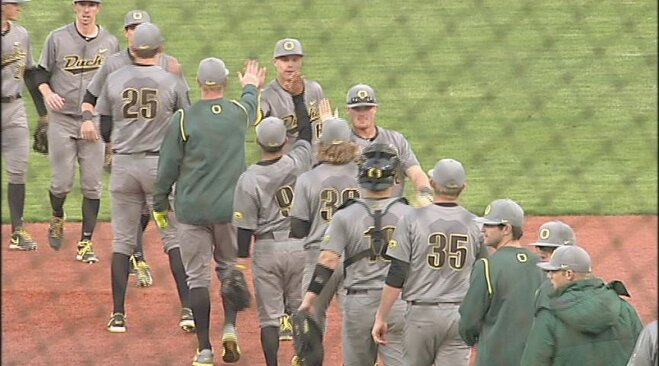 Ducks take Civil War on the diamond, 6-3