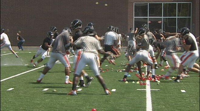 Beavers end week 2 of training camp with water balloon fight