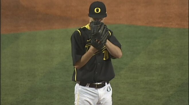 Ducks' Irvin honored as national pitcher of the week
