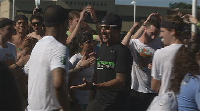 Long distance runner arrives in Eugene (2)