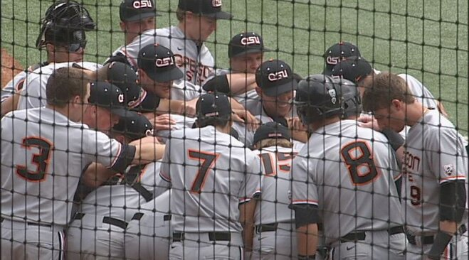 Beavs blast Ducks 12-2 to clinch Civil War series