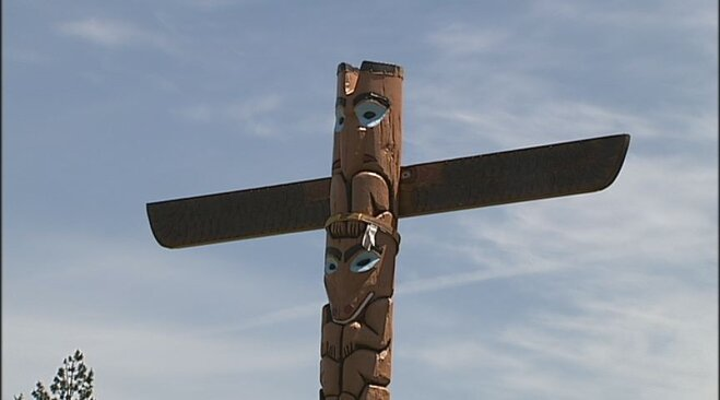 Totem pole placed at Spencer Butte Middle School (10)