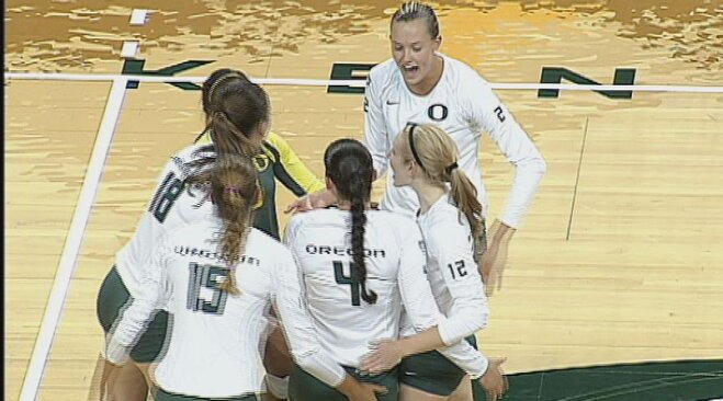 Duck volleyball beats Gauchos in home opener