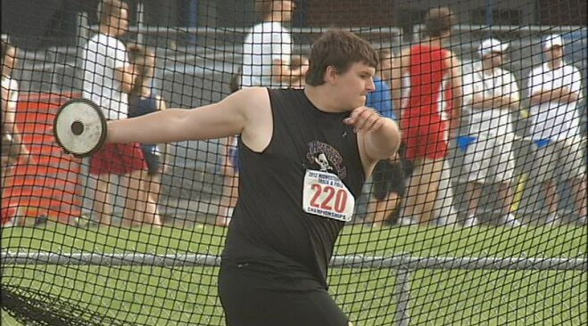 Marshfield shines on Day 1 of Midwestern T&F Championships