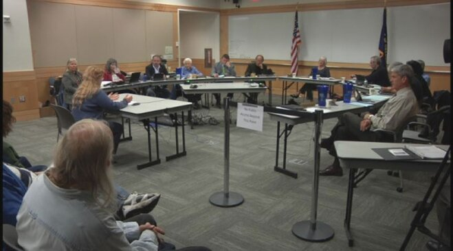 Eugene votes in favor of plastic bag ban, opposes coal trains