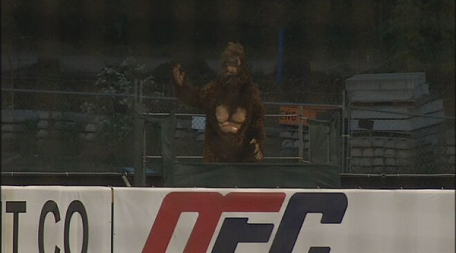 Rally Squatch: Ems walkoff on Hawks