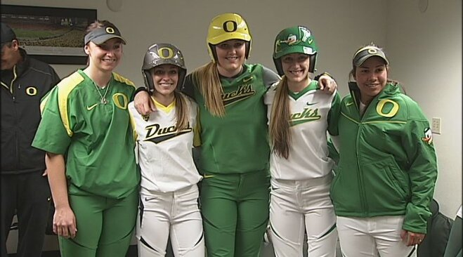 Pac-12 softball coaches pick Ducks 3rd, Beavers 8th
